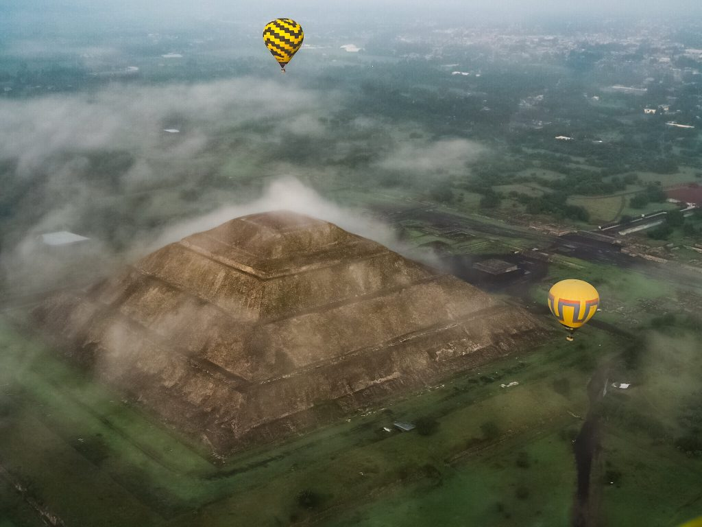 Balloons over Teotihuacan Sun Pyramid