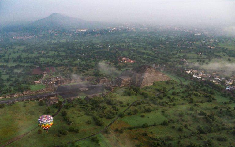 Hot air balloons over Teotihuacan Pyramids