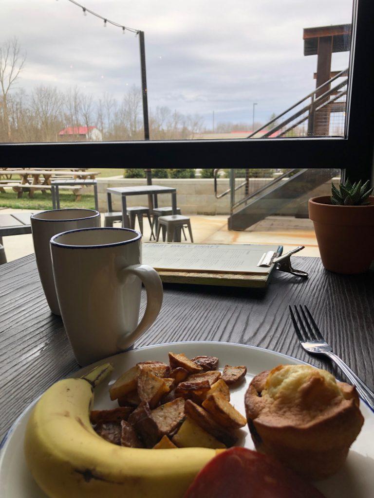 Columbus DogHouse Hotel Breakfast
