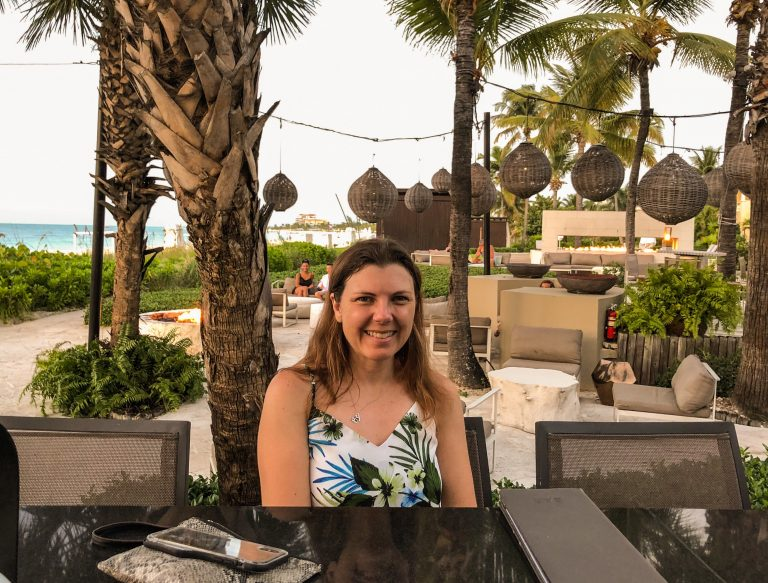 Amber at Grace Bay Club Infiniti Bar